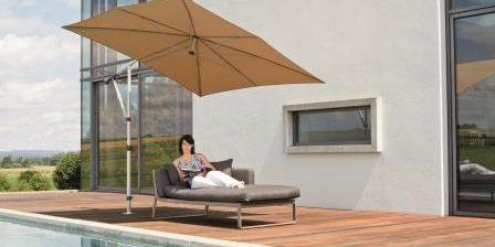 Sonnenschirme flexibel und schattig bei Engstler Raumdesign.